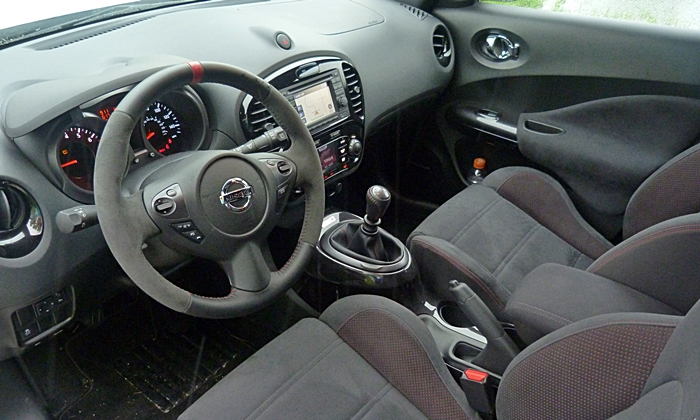 Ford Fiesta Photos: Nissan JUKE NISMO interior
