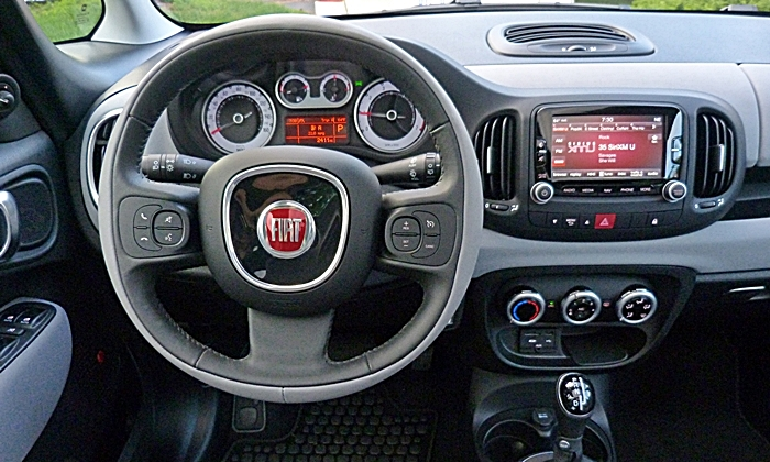 500L Reviews: FIAT 500L instrument panel