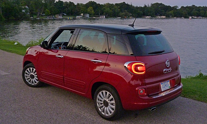 Fiat 500L Photos: FIAT 500L rear quarter view dusk