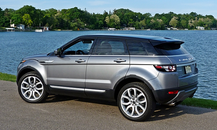 Range Rover Evoque Reviews: Range Rover Evoque rear quarter view
