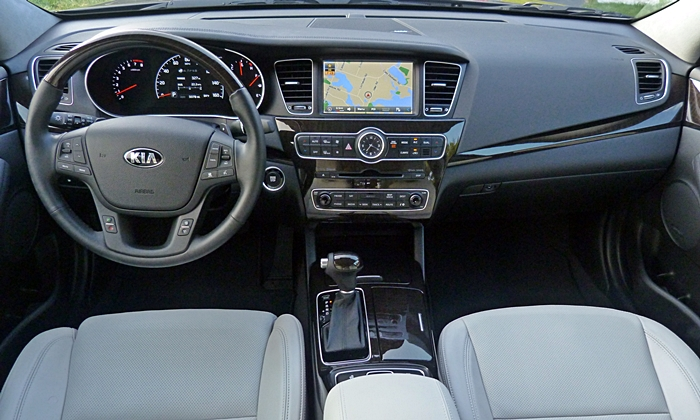 Kia Cadenza Photos: Cadenza instrument panel full