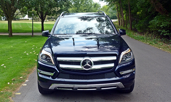 GL-Class Reviews: Mercedes-Benz GL350 front view
