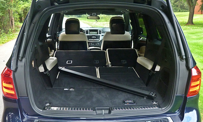GL-Class Reviews: Mercedes-Benz GL350 cargo area all seats folded