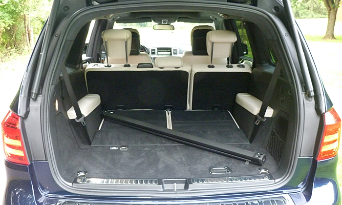 Mercedes-Benz GL Photos: Mercedes-Benz GL350 cargo area third row folded