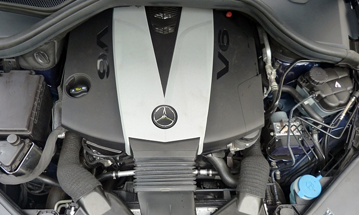 Mercedes-Benz GL Photos: Mercedes-Benz GL350 diesel engine