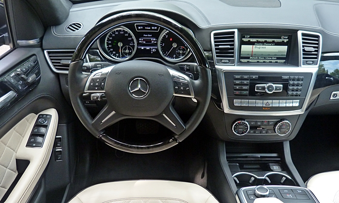 GL-Class Reviews: Mercedes-Benz GL350 instrument panel
