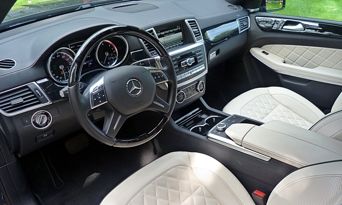 Mercedes-Benz GL Photos: Mercedes-Benz GL350 interior