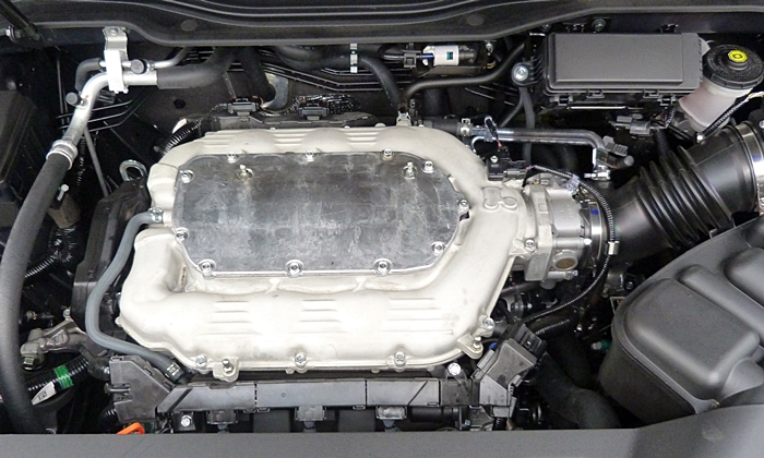 Acura MDX Photos: 2014 Acura MDX engine uncovered