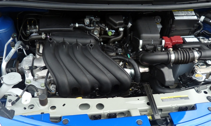 Nissan Versa Note Photos: Nissan Versa Note engine