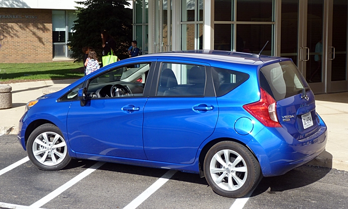 Nissan Versa Note Photos: Nissan Versa Note rear quarter view