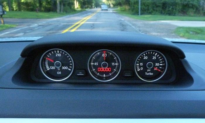 Volkswagen Beetle Photos: VW Beetle Convertible auxiliary gauges