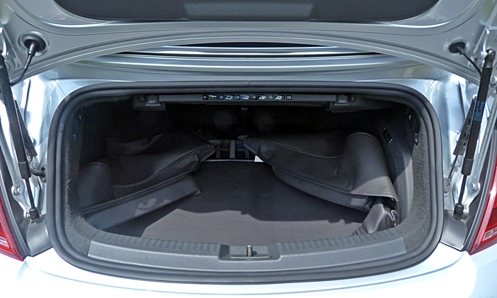 Beetle Reviews: VW Beetle Convertible trunk