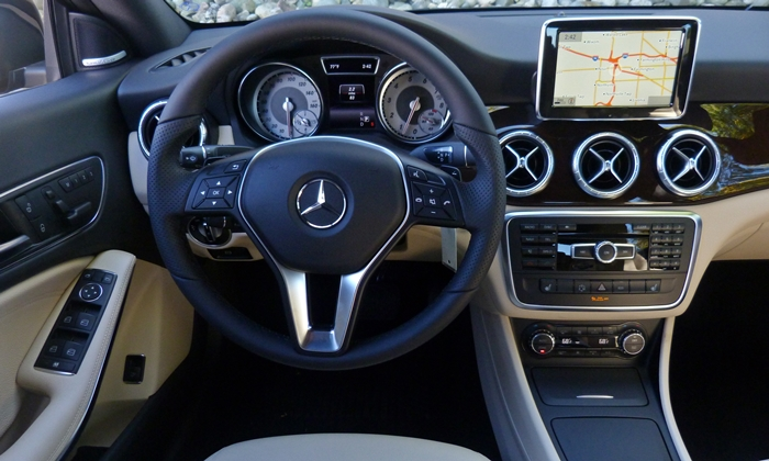 CLA Reviews: Mercedes-Benz CLA250 instrument panel