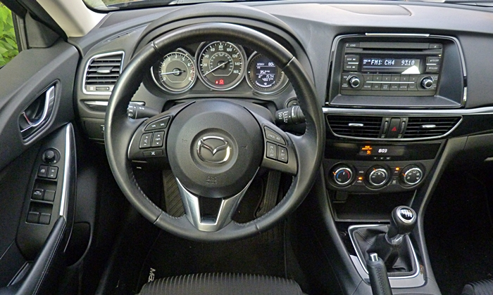 Mazda6 Reviews: Mazda6 Sport instrument panel