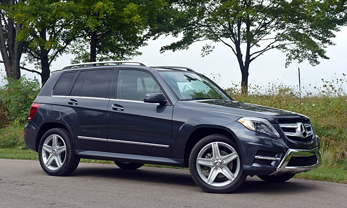 Mercedes-Benz GLK250 BlueTEC front quarter view