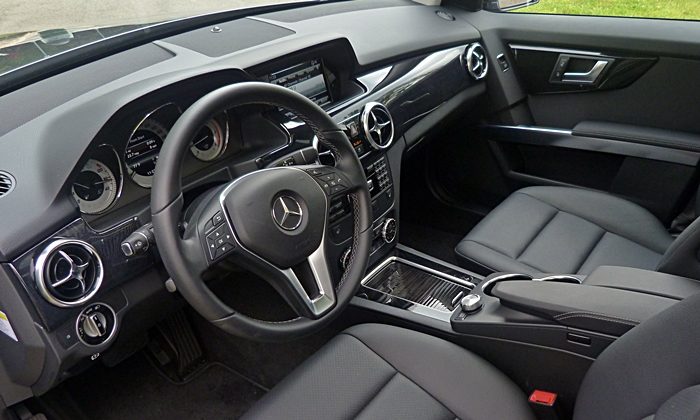 GLK-Class Reviews: Mercedes-Benz GLK250 BlueTEC interior