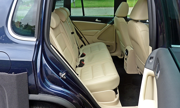 Tiguan Reviews: Volkswagen Tiguan R-Line rear seat