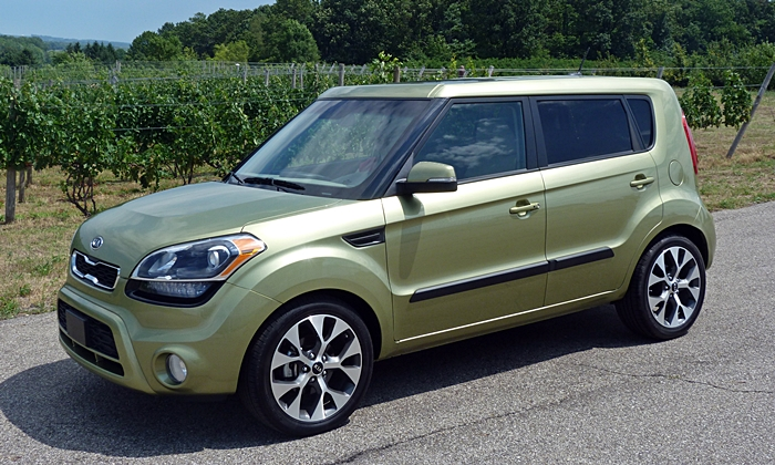 Kia Soul Photos: 2012 Kia Soul front quarter view