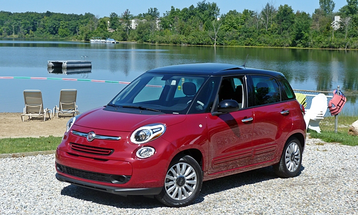 Kia Soul Photos: Fiat 500L front quarter view
