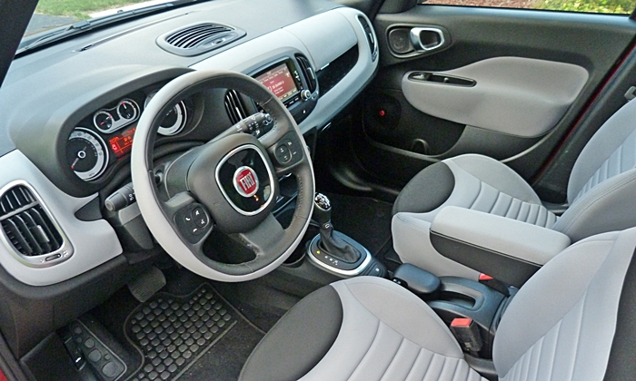 Kia Soul Photos: Fiat 500L interior