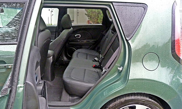 Kia Soul Photos: 2014 Kia Soul rear seat