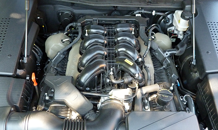 Equus Reviews: 2014 Hyundai Equus engine uncovered