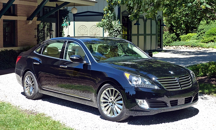 Equus Reviews: 2014 Hyundai Equus front quarter view