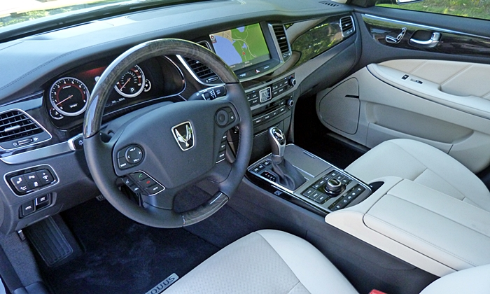 Equus Reviews: 2014 Hyundai Equus interior