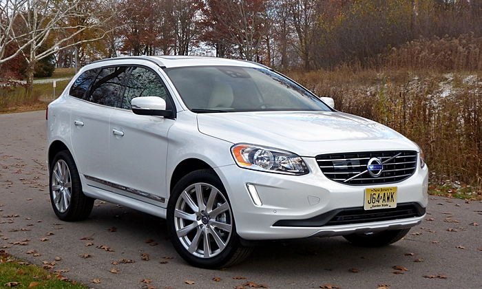 Volvo XC60 Photos: Volvo XC60 Inscription front angle