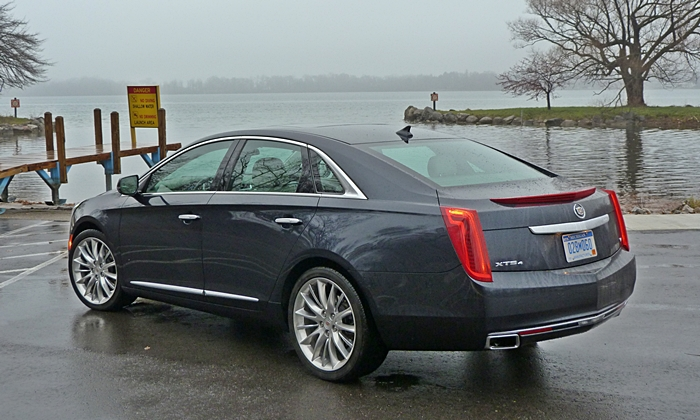 Cadillac XTS Photos: Cadillac XTS Vsport rear angle high