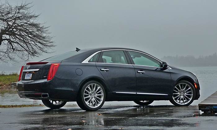 Cadillac XTS Photos: Cadillac XTS Vsport rear quarter
