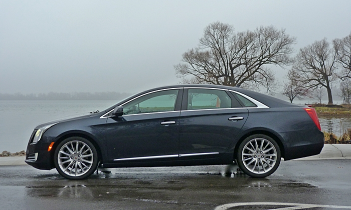 Cadillac XTS Photos: Cadillac XTS Vsport side