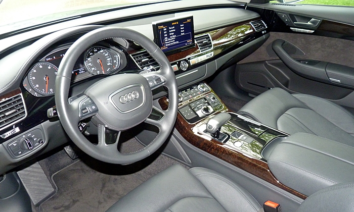 Cadillac XTS Photos: Audi A8 interior