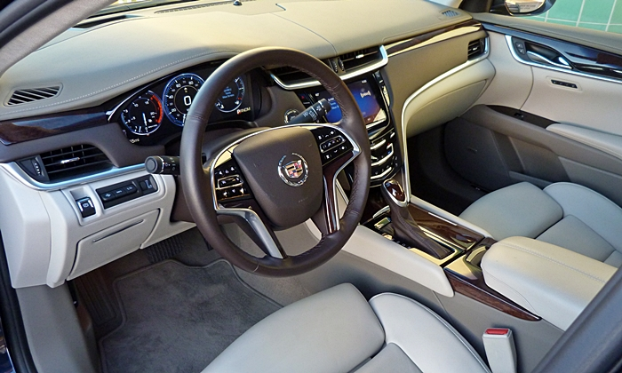 Cadillac XTS Photos: Cadillac XTS Vsport interior
