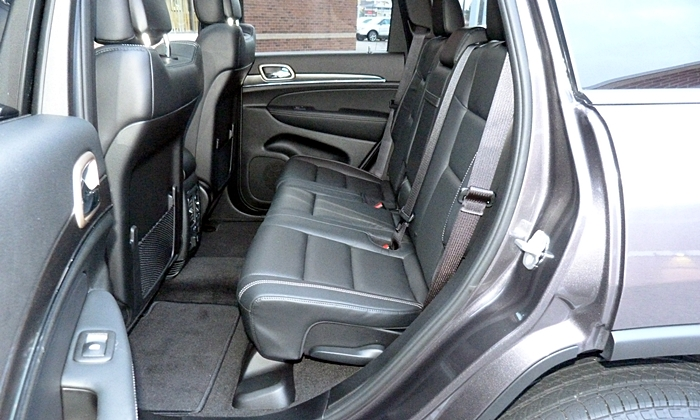 Grand Cherokee Reviews: Jeep Grand Cherokee Limited back seat