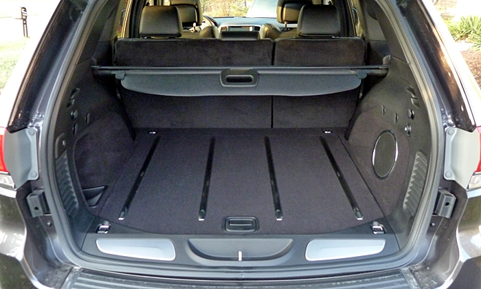 Jeep Grand Cherokee Photos: Jeep Grand Cherokee cargo area