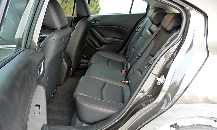 Mazda3 Reviews: 2014 Mazda3 rear seat