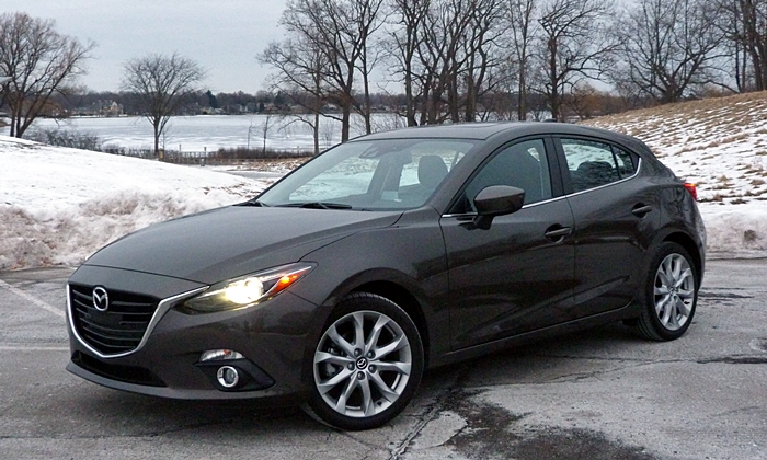 Mazda3 Reviews: 2014 Mazda3 front quarter