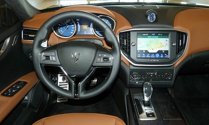 Ghibli Reviews: Maserati Ghibli instrument panel