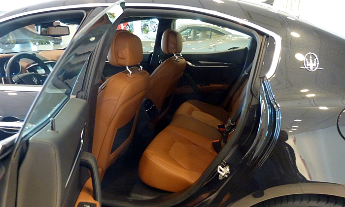 Ghibli Reviews: Maserati Ghibli rear seat