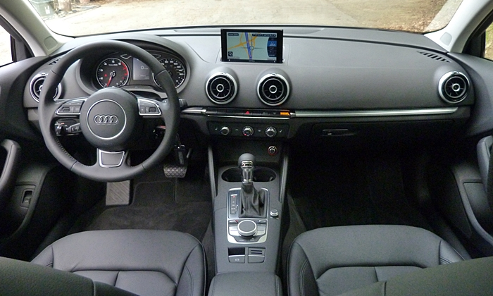 Audi A3 / S3 Photos: Audi A3 instrument panel full width