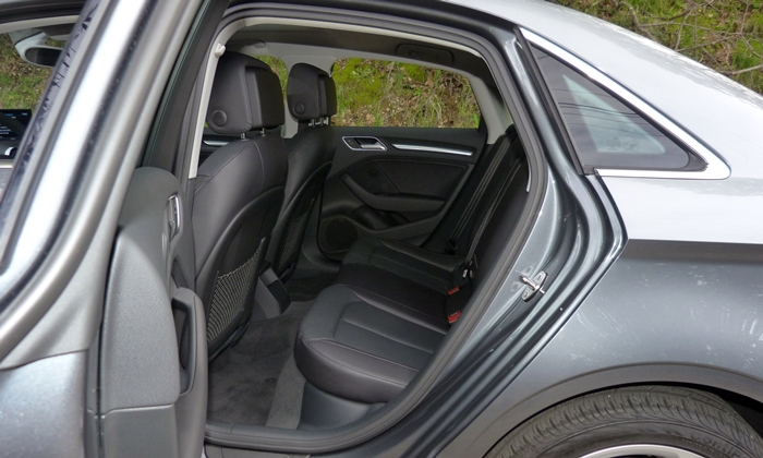 A3 Reviews: Audi A3 rear seat