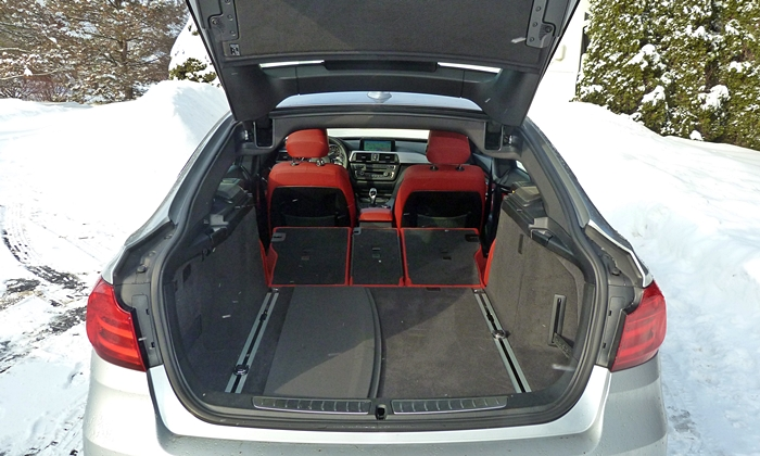 BMW 3-Series Gran Turismo Photos: BMW 335i Gran Turismo cargo area seats folded