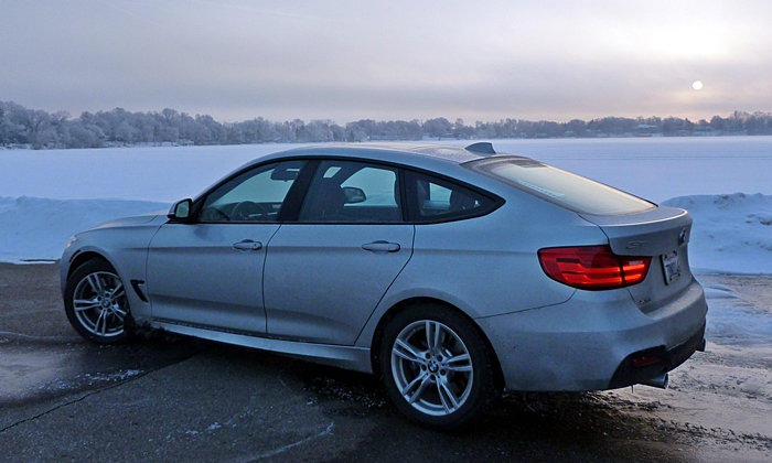 3-Series Gran Turismo Reviews: BMW 335i Gran Turismo rear quarter view