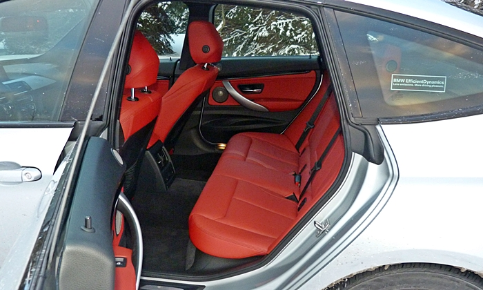 BMW 3-Series Gran Turismo Photos: BMW 335i Gran Turismo rear seat