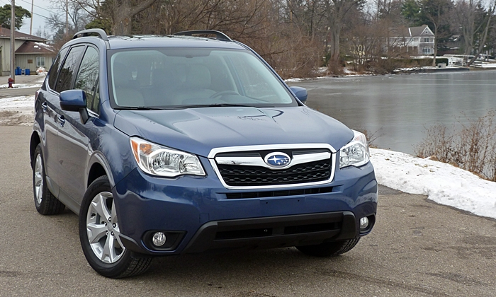 Subaru Forester Photos: Subaru Forester 2.5i front view
