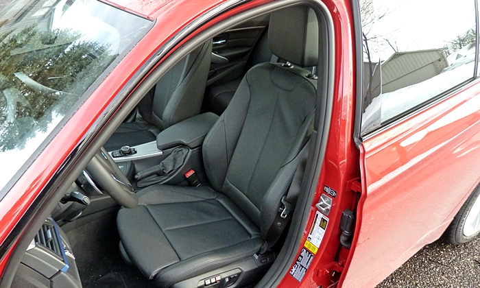 BMW 3-Series Photos: BMW 328d driver seat