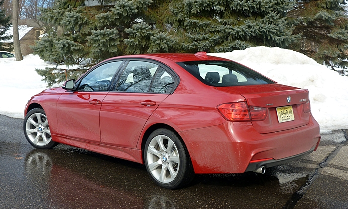 3-Series Reviews: BMW 328d rear quarter view