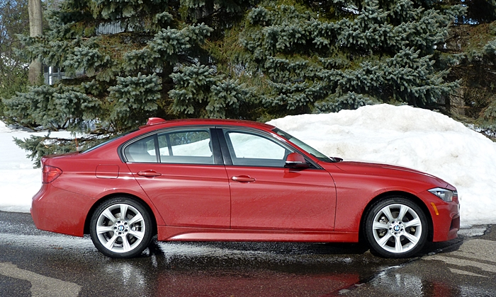 BMW 3-Series Photos: BMW 328d side view