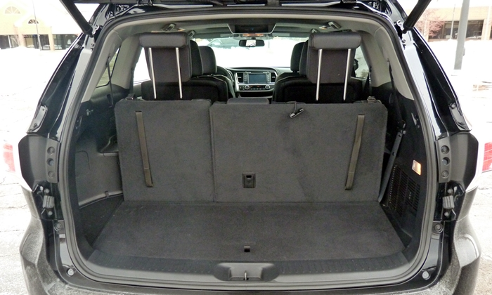 Highlander Reviews: Toyota Highlander cargo area